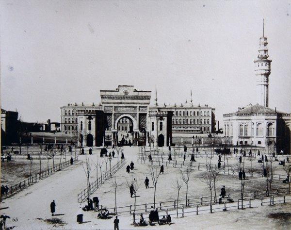 Place de Seraskerat [War Mnistry in Istanbul]