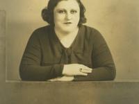 Untitled (studio portrait of a woman)