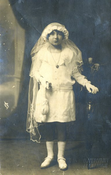 Untitled (girl in a communion costume)